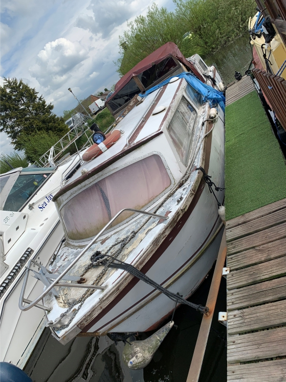 """***SALE AGREED*** """"GOT THERE"""" 32 Foot Dawn Craft Cruiser"""