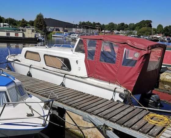 """Boat For Sale – """"MINE'S A PINT"""" 23 foot Cabin Cruiser"""